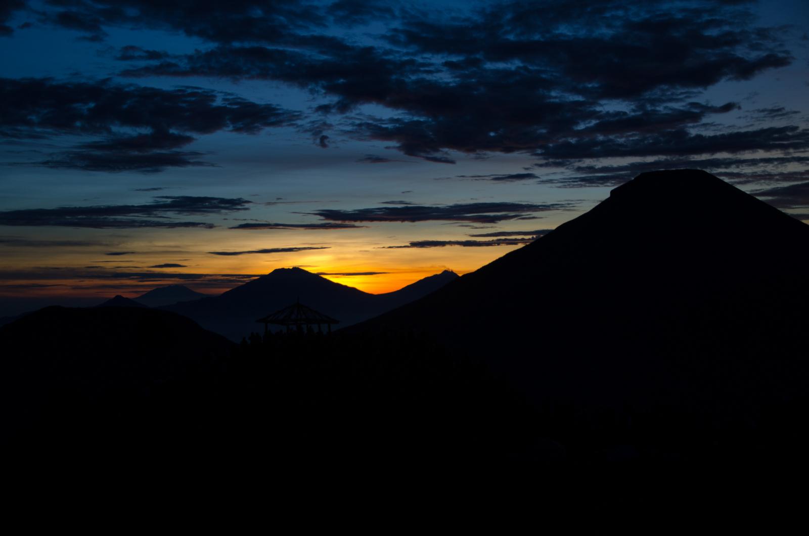 If You Trek The Dieng Plateau Love Elizabeth Tour Plateu Sunrise
